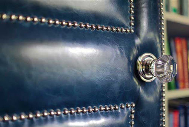 puerta tapizada cuero